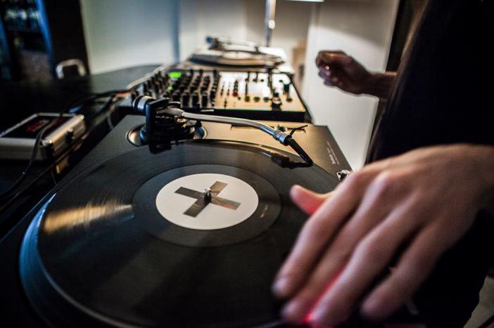 ZZZ music LIVE DJ